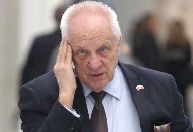 """Stefan Niesiołowski udał się do kina na film Patryka Vegi """"Polityka"""" i podzielił się swoją refleksją na temat najnowszego dzieła reżysera"""