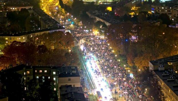 Strajk Kobiet/Youtube @POLAND ON AIR