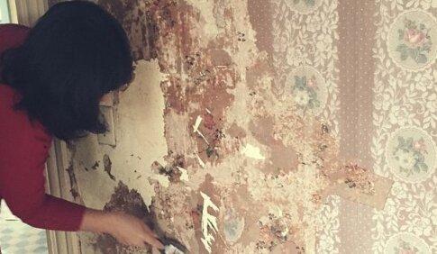 Kobieta znalazła niesamowitą notatkę podczas remontu. Źródło: domiporta.pl