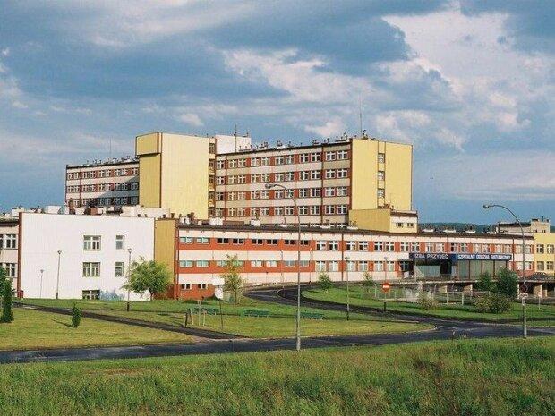 Bardzo niepokojąca sytuacja w jednym ze szpitali w Polsce. Wykryto mocno zakaźną bakterię New Delhi. Są już pierwsze zarażone osoby