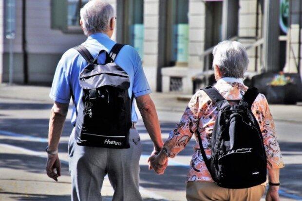 Wcześniejsze emerytury dla setek tysięcy Polaków. Kiedy pomysł wejdzie w życie