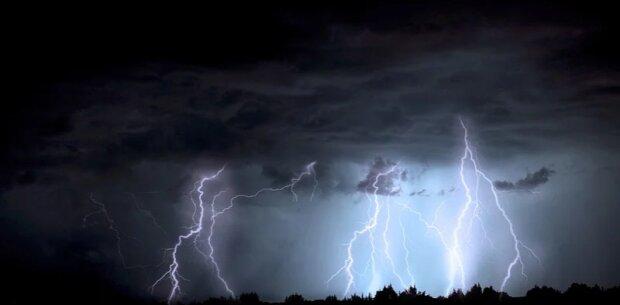 IMGW wydało ostrzeżenia trzeciego stopnia. Pogoda będzie bardzo niebezpieczna. Gdzie będzie najgorzej
