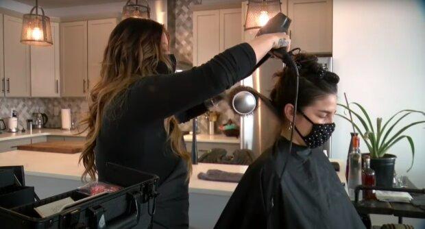Czy salony kosmetyczne i fryzjerskie będą zamknięte? / YouTube:  Denver7 – The Denver Channel