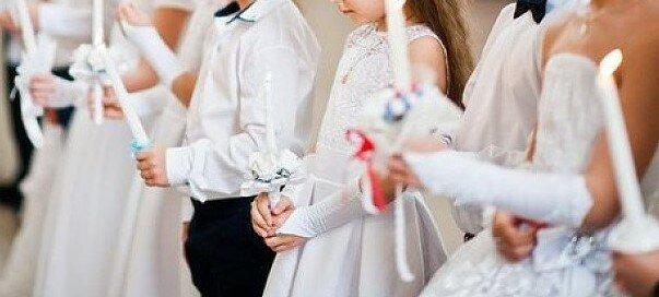 Czy pierwsza komunia święta skończy się wizytą w sanepidzie? Parafia w jednej z polskich miejscowości poszukuje wszystkich uczestników mszy świętej