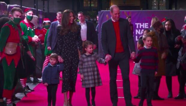 Księżna Kate oraz książęWilliam z dziećmi / YouTube: The Royal Family Channel