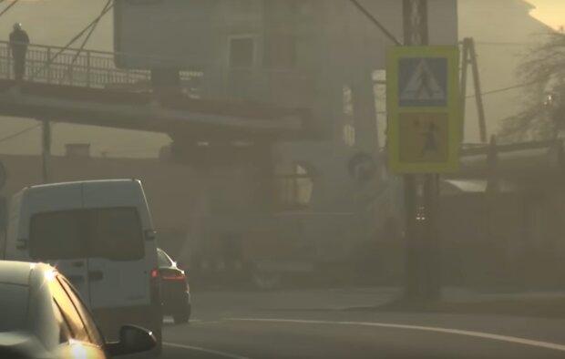 Kraków: okres jesienno-zimowy przyniósł przekroczone normy w mieście. Jak wygląda sytuacja z zanieczyszczeniem powietrza w piątek