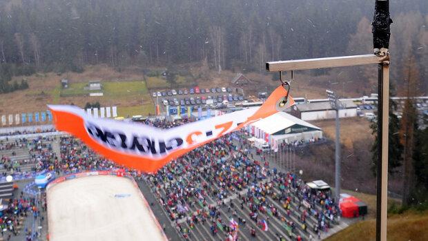 Czy zobaczymy dzisiaj skoki w Klingenthal? Wiatr może storpedować zawody