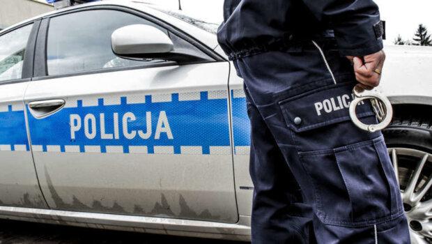 Kraków: policjanci znaleźli nieprzytomną kobietę w lesie. To zaginiona 39-latka. Co się wydarzyło