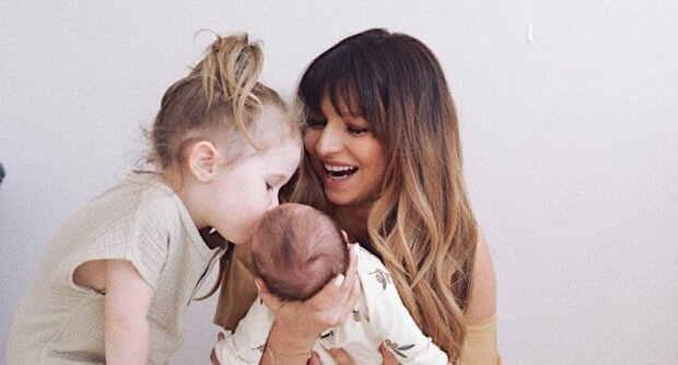 Anna Lewandowska z córeczkami. Źródło: Instagram