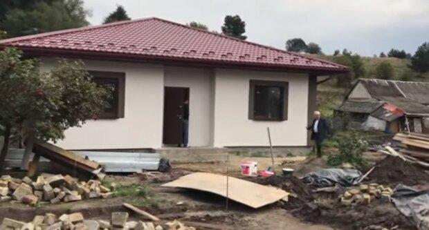 Milioner polecił poznać wszystkie domy w swojej rodzinnej wiosce. Ludzie nie rozumieli, co się dzieje