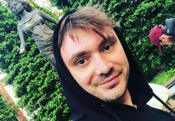 """Daniel Martyniuk odwiedził córeczkę w Białymstoku. Wygląda na to, że do Laury przyszedł już """"Święty Mikołaj"""""""