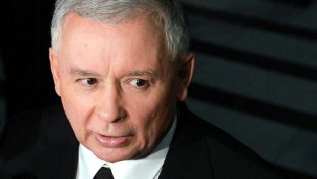 Jarosław Kaczyński trafił do szpitala i przeszedł poważną operację. Jaki jest jego stan zdrowia