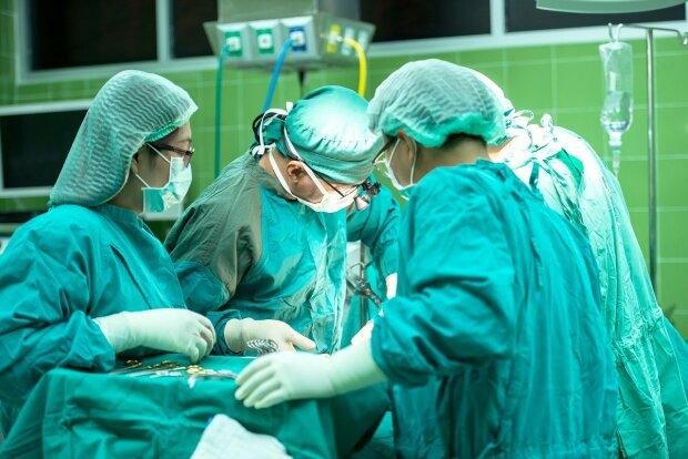 Kraków: polscy chirurdzy odnieśli sukces. To pierwsza taka operacja w kraju i druga na świecie