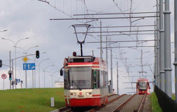 Gdańsk: zdarzają się awarie tramwajów i autobusów. Miasto przeznaczyło ponad milion złotych na naprawy pojazdów komunikacji miejskiej