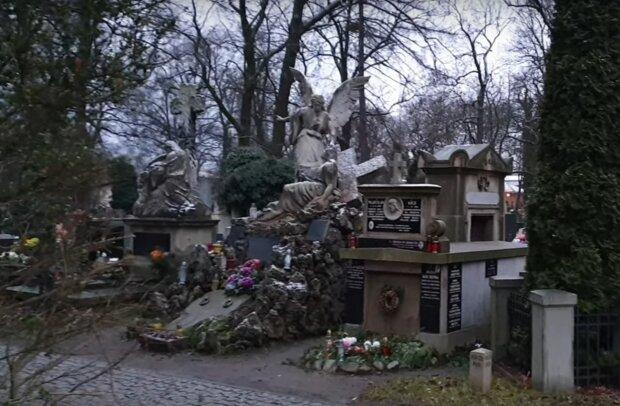 Kraków: bardzo słaby wynik corocznej kwesty na rzecz cmentarza Rakowickiego. Zbiórka w sieci trwa jeszcze do końca roku