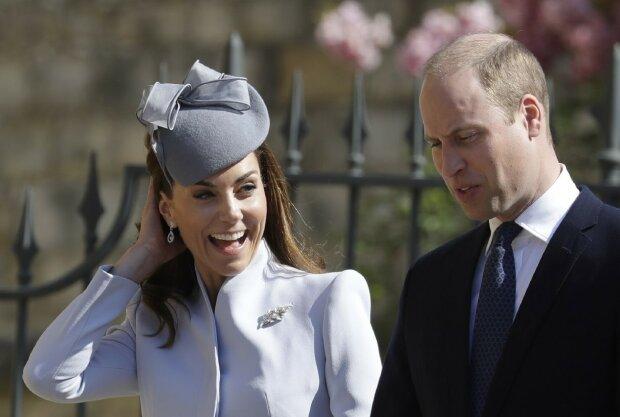 Straszne wieści o rodzinie królewskiej obiegły media. Dlaczego księżna Kate i książę William musieli szybko opuścić pałac?