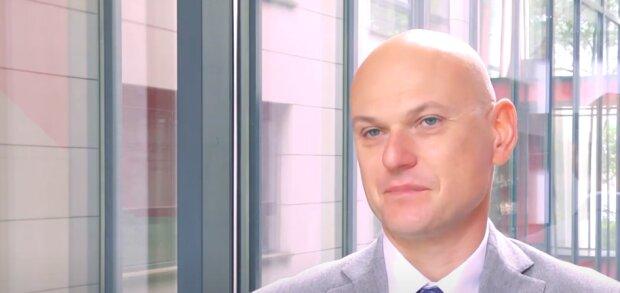 Rafał Zasuń - Redaktor naczelny w WysokieNapiecie.pl / YouTube:  CEO MAGAZYN POLSKA - TV