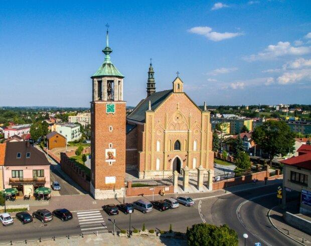 Parafia w Proszowicach
