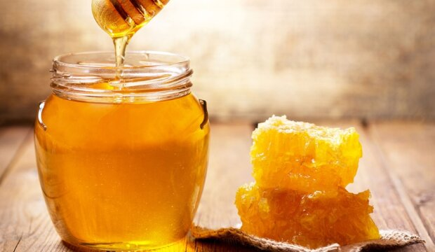 Miód, czyli płynne złoto. Jak go kupować i jak sprawdzić, czy jest prawdziwy