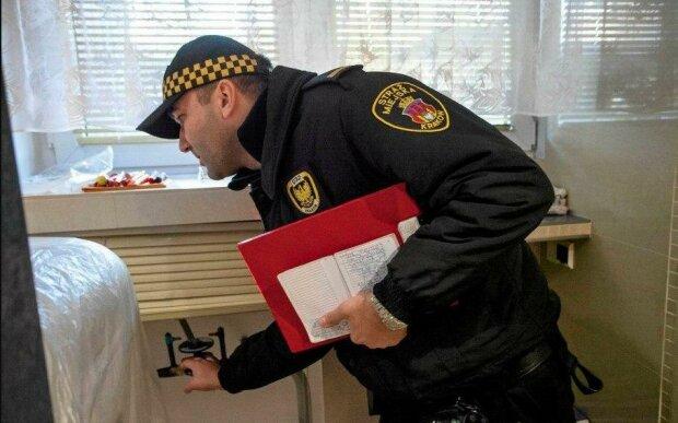 Straż miejska ma nowe uprawnienia. Polacy powinni przygotować się na kontrole w domach. Co będą sprawdzać strażnicy