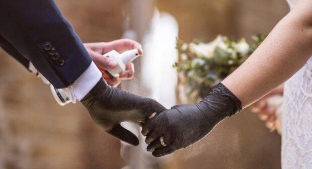 Koronawirus na ślubie. Źródło: rp.pl