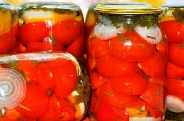 Kliny pomidorów. Pyszne, az palce lizac
