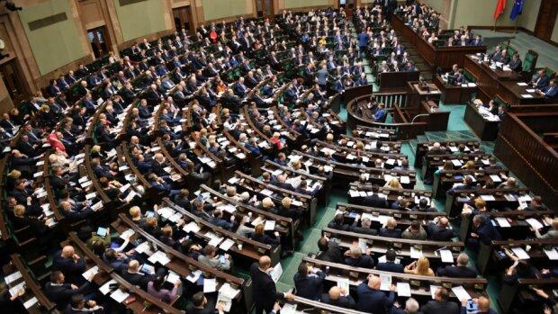 Konfederacja nie wprowadzi żadnych kobiet do Sejmu! A jak to wygląda w innych partiach?