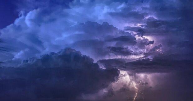 IMGW ostrzega: czeka nas gwałtowne załamanie pogody. Wydano alerty I i II stopnia