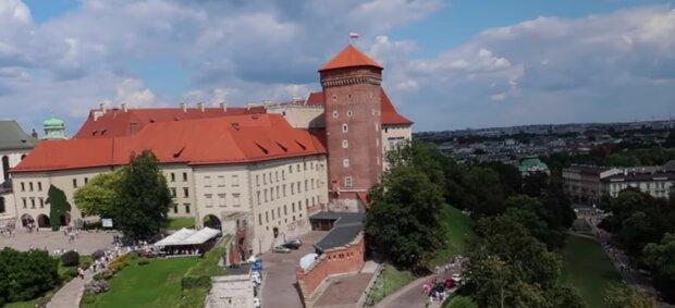 Chcesz wyjechać za miasto, ale nie wiesz gdzie? Te miejsca znajdują się zaledwie godzinę drogi od Krakowa