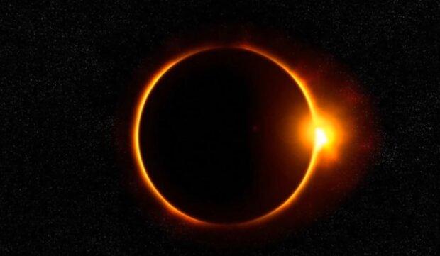 Zaćmienie Słońca/ YouTube @Zjawiska niewyjaśnione