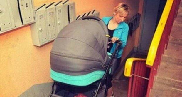 Mama z wózkiem na korytarzu zwróciła się do sąsiada, a ten był dla niej nieuprzejmy. Szybko obróciło się to przeciw niemu