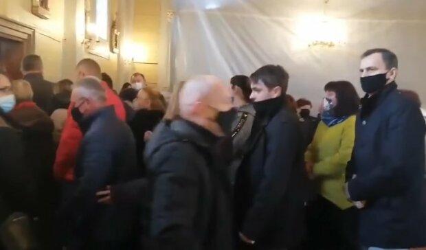 Wierni w parafii w Korczewie/screen Youtube @WTV